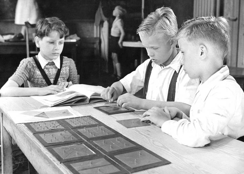 Bir Montessori Okulu, Kesir Çalışması, 1950