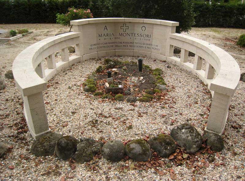 Maria Montessori'nin Mezarı, Noordwijk,
