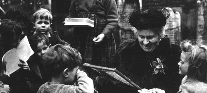 Dr. Maria Montessori Bir Okul Ziyaretinde